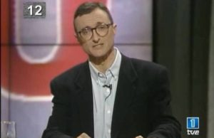 Arturo Perez-Reverte as a news correspondent.