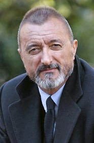 The talented author Pérez-Reverte